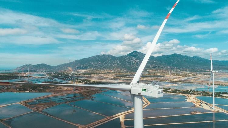 BIM Group hoàn thành tổ hợp năng lượng tái tạo kết hợp sản xuất muối lớn nhất Việt Nam ảnh 4