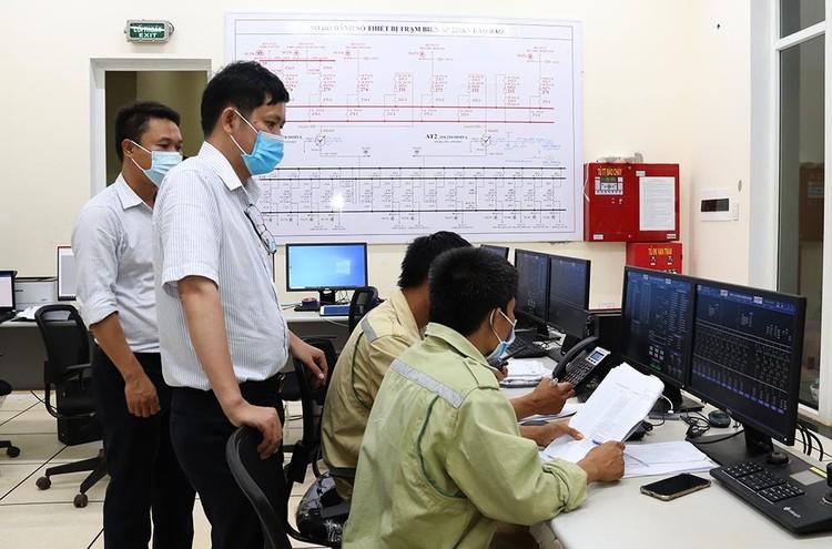 Đóng điện TBA 220kV Lao Bảo, sẵn sàng giải phóng công suất các nhà máy điện gió ảnh 1